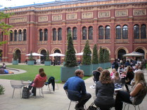 V&A court yard