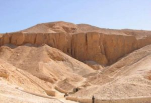 Valley_of_The_Kings_Luxor_45b28aa683d63